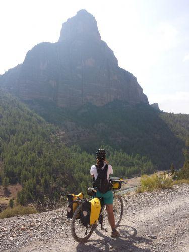 Atlas Central en Bicicleta de Montaña. Foto Isi Juvé