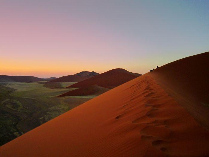 Arenas del Namib, etnias del norte y vida salvaje en Etosha. Foto Angel Zamarrón