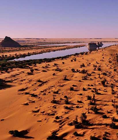 Los últimos cocodrilos del Sáhara, las planicies del Ennedi o&nbsp;los lagos de Ounianga son algunos de los ... <br> <a class='vermellteula'>Seguir leyendo >>></a>