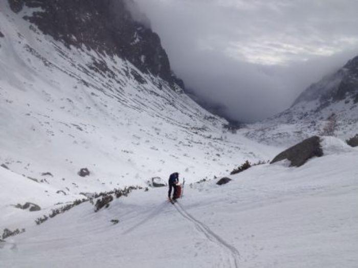 Travesía con esquís de montaña en los Altos y Bajos Tatras. Foto Pere Mongay