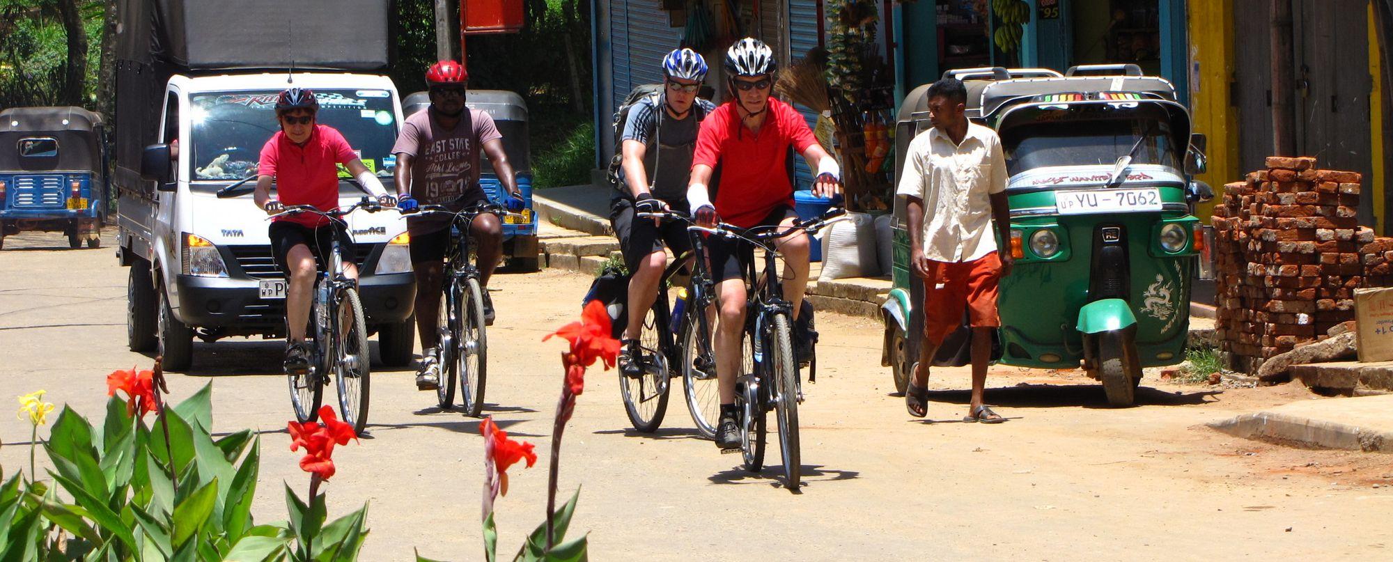 SRI LANKA. En bicicleta por los caminos del té