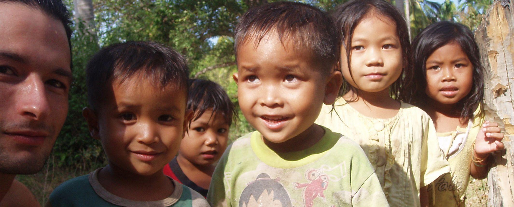 Laos  -  Tribus del norte, navegación por el Nam Ou y el sur - Salidas de Mayo a Septiembre