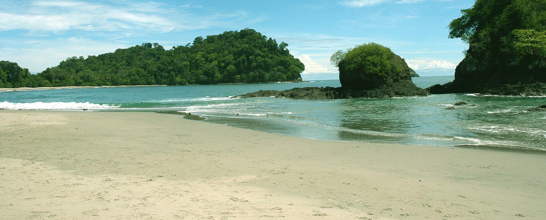 Volcanes, Parques Naturales, Caribe y Pacífico  – Salidas de MAY a NOV