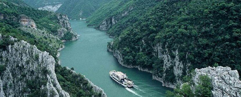 Los desconocidos valles del Norte, la Albania clásica y Macedonia  – Salidas de JUN a SEP