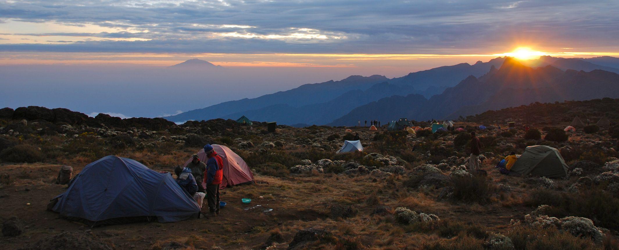 Ascensión al Kilimanjaro. Ruta Marangu   – Kili express. Salida 28 Dic